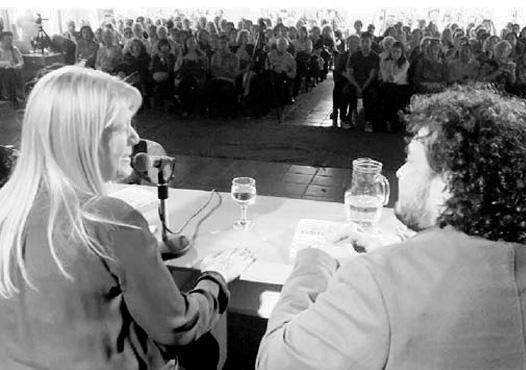 """Stolbizer estuvo presente en la Feria del Libro de Córdoba, donde presentó su libro """"Yo acuso"""", y luego en charla con la prensa destacó que """"el libro lo que hace es describir un modelo de negocio, pero por sobre todas las cosas lo que hace es convocar a una reflexión colectiva sobre lo que nos pasó para que no nos vuelva a ocurrir""""."""